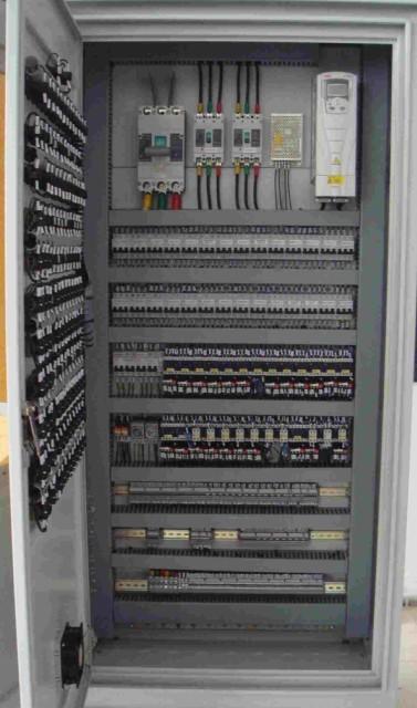 plc控制柜组成部分